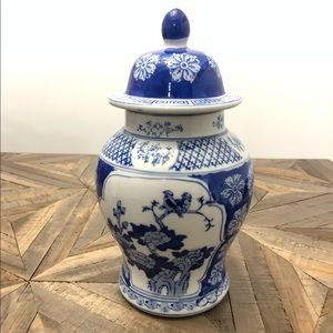 Vintage Accents - Large Chinoiserie Ginger Jar Blue White Pottery
